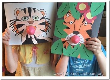 TigersBlowingBubblegum